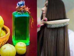 बालों के लिए घर का बना आंवला तेल: यहां बताया गया है कि आप इसे कैसे बना सकते हैं और इसके लाभ