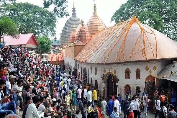 इन जगहों पर बने मां दुर्गा के प्रसिद्ध मंदिरों में जो भी करता है दर्शन, पूरी होती है उसकी हर मनोकामना