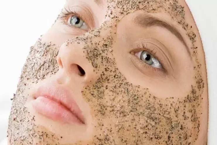 बेदाग त्वचा चाहती हैं तो ट्राई करें सरसों से बना फेसपैक
