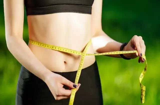 Health Tips: डेली रूटीन में अपनाएं ये 5 आदतें, तेजी से घटेगा वजन