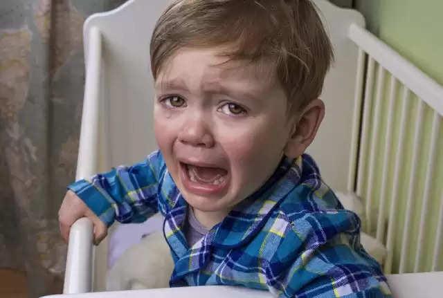 अगर आपका बच्चा भी रोते-रोते रोक लेता हैं सांस, जानिए इसका कारण व उपाय