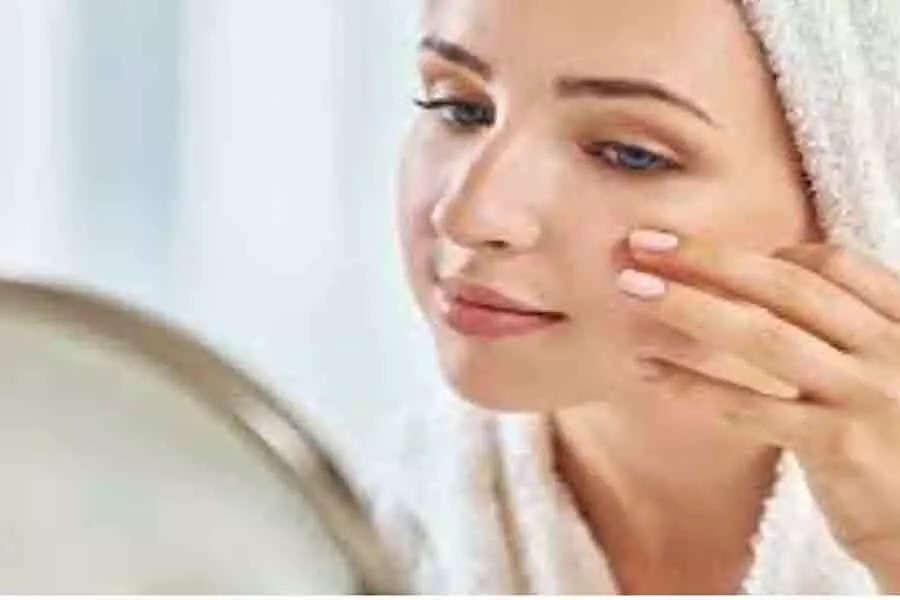 इन आसान तरीकों को अपनाकर आप बिना मेकअप पा सकते हैं शानदार ग्लोइंग त्वचा