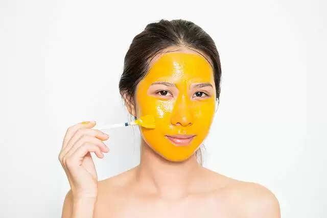 अगर आप भी चाहती है अपने चेहरे से काले कील-मुंहासे और सारी गंदगी दुर करना, तो लगाएं ये होममेड फेसपैक