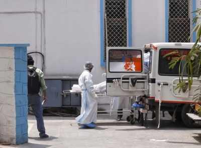 Delhi के अस्पताल में बेड नहीं मिलने से मरीज की मौत