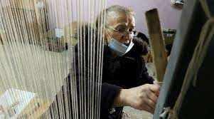प्रशिक्षण अल्बानियाई गलीचा बुनकरों के लिए 'आशा की एक खिड़की' खोलता है