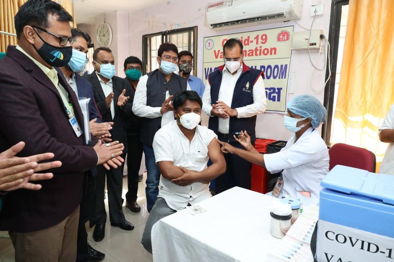 केंद्र टीकाकरण की पहुंच बढ़ाता है: निजी अस्पतालों में रोप-वे किया जा सकता है