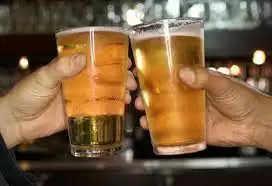 बियर पीने के होते है अपने फायदे, जानकर चौंक जायेंगे आप