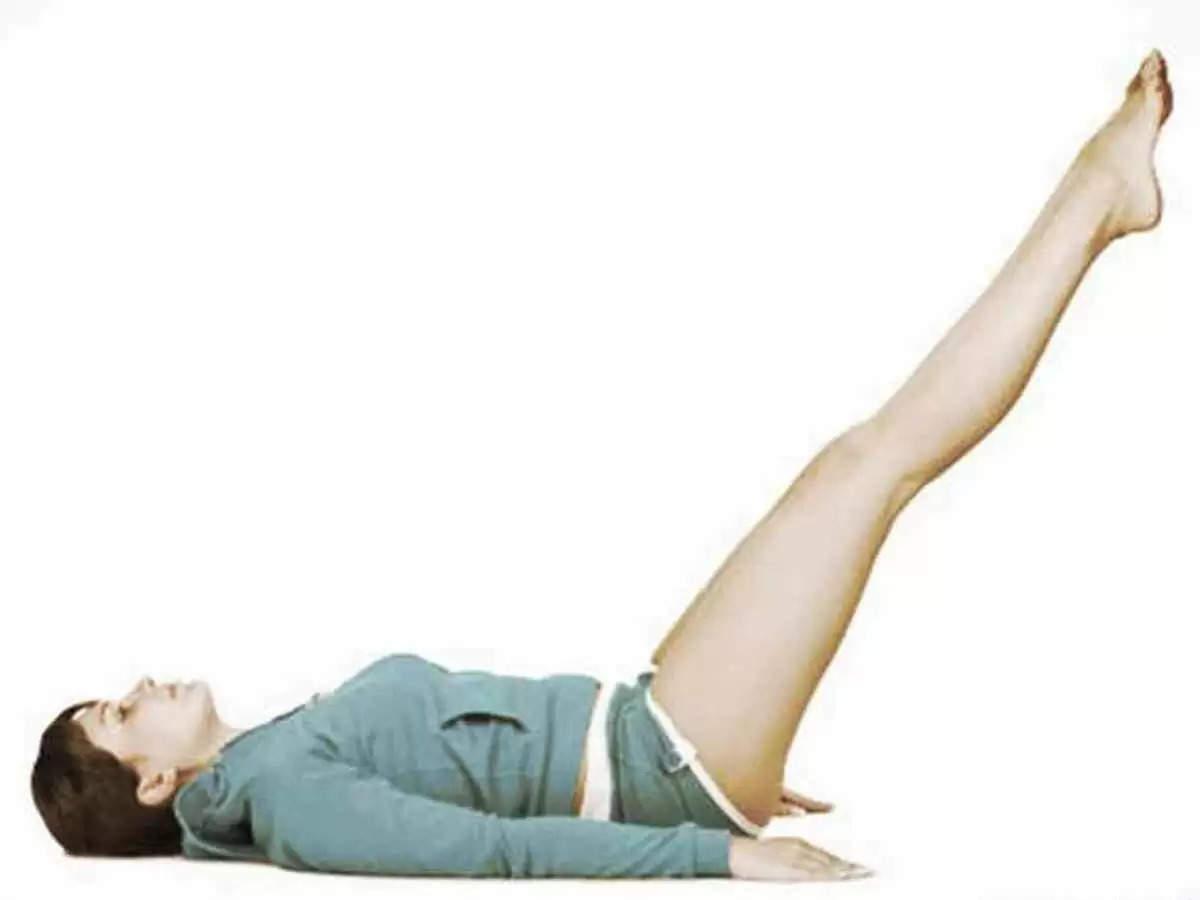 हाथ-पैरों के दर्द से आराम दिलाएंगे ये 2 योग, रोजाना करने से होंगे ये फायदे