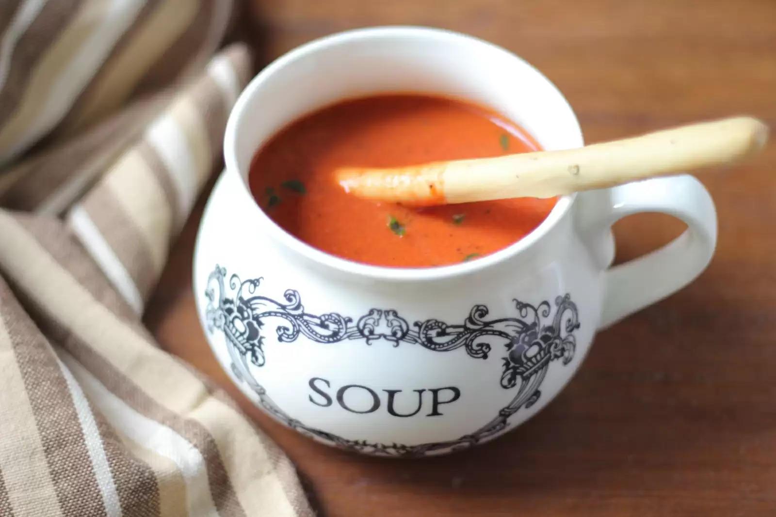 बारीश में लें गर्मा-गर्म टोमैटो सूप पीने का मजा, जानिए बनाने का तरीका