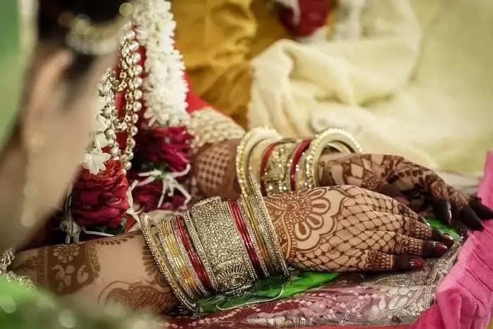 यहां पर बारात से पहले ही घर छोड़ भागा दूल्हा, सजी-धजी दुल्हन शादी के जोड़े में बैठी रही