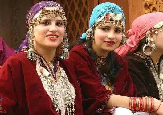 यहां की कुंवारी लड़कियां आज भी शादी के लिए करती है मर्दों का इंतजार, जानें कारण